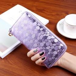Nagyméretű divatos női pénztárca - Méret 19 x 9 cm - LILA