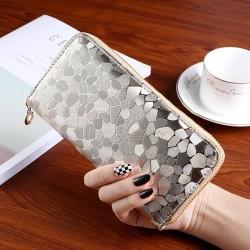 Nagyméretű divatos női pénztárca - Méret 19 x 9 cm - ARANY